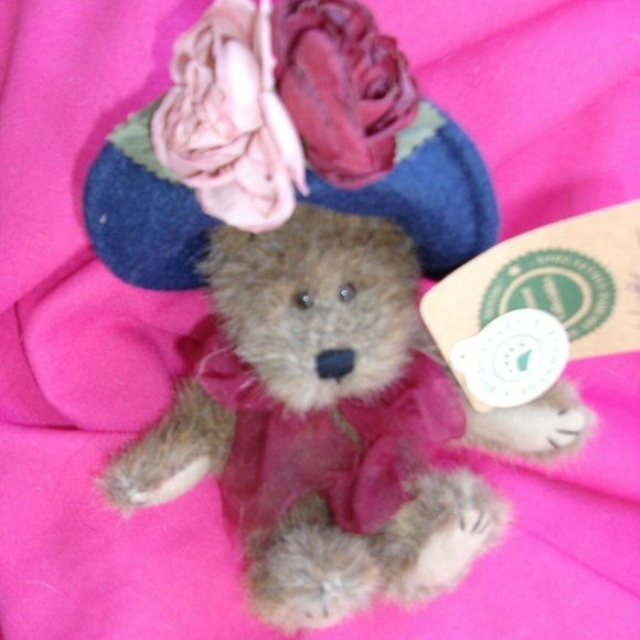 Boyds bear teddy bear collectible w tag Yvette col
